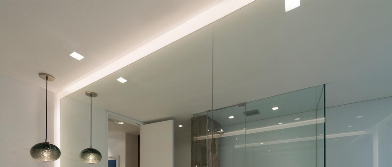Kvalitní osvětlení koupelnového zrcadla LED pásky